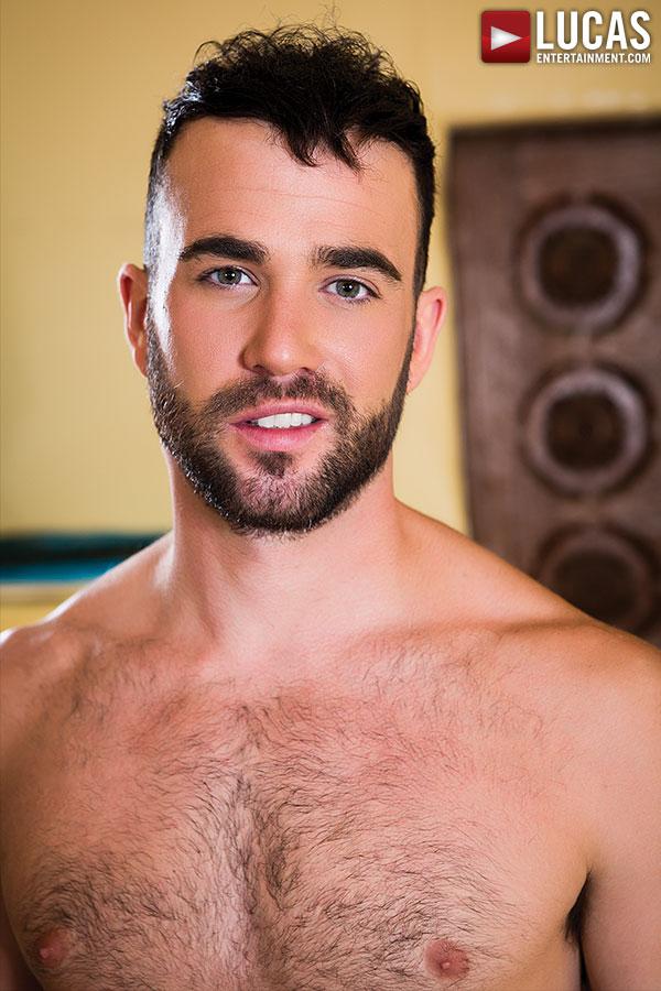 Alex Mason Gay