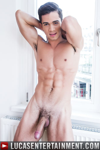 ashton summers gay model lucas entreatment