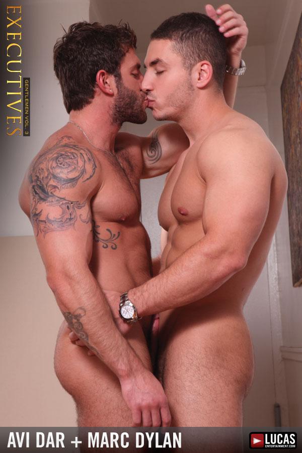 gay kissing di qld escort
