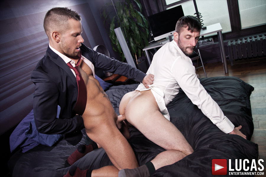 Gentlemen 11: Unsuited Raw - Gay Movies - Lucas Entertainment