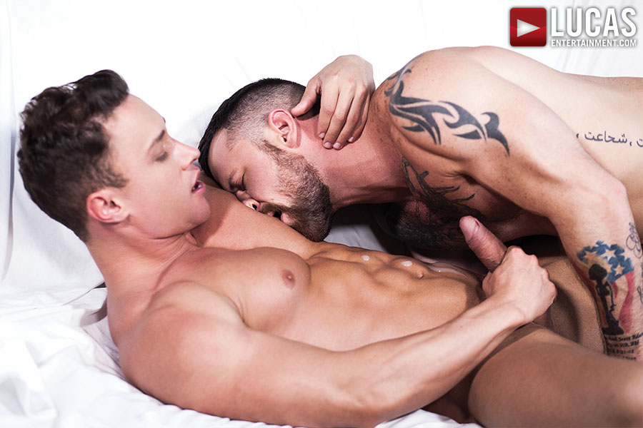 Alexander Volkov Tops Sergeant Miles    - Gay Movies - Lucas Entertainment