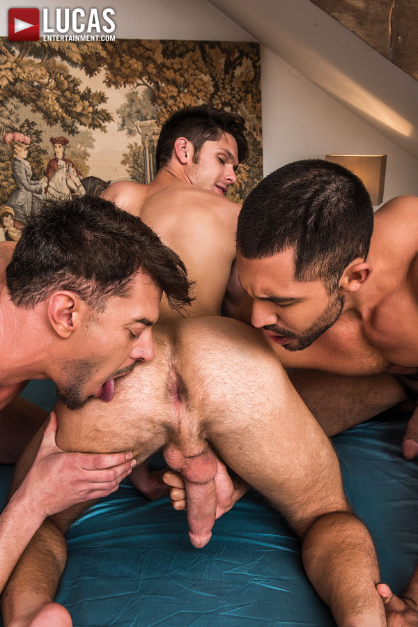 Double Penetration Featuring Devin Franco, Gabriel Taurus, And Nico Deen - Gay Movies - Lucas Entertainment