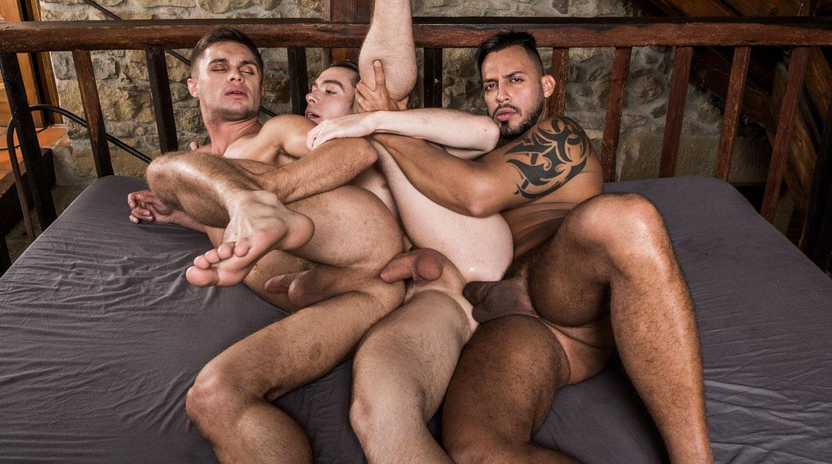 Viktor Rom Fucks His Boys, Klim Gromov And Jon Bae