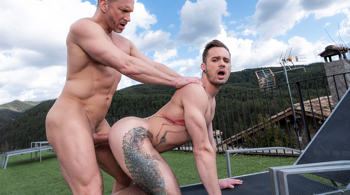 Muscle-Daddy Tomas Brand Pumps Drake Rogers' Ass