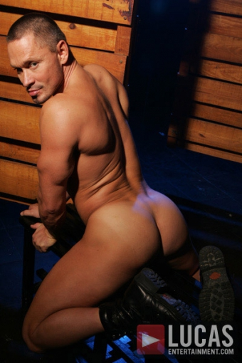 Gay orgy chris jett arrives with two 9
