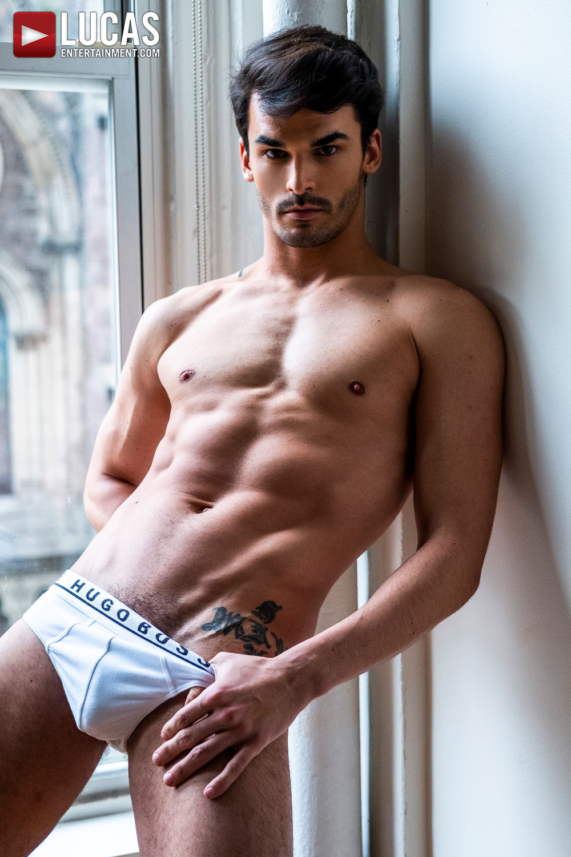 Aaden Stark - Gay Model - Lucas Entertainment