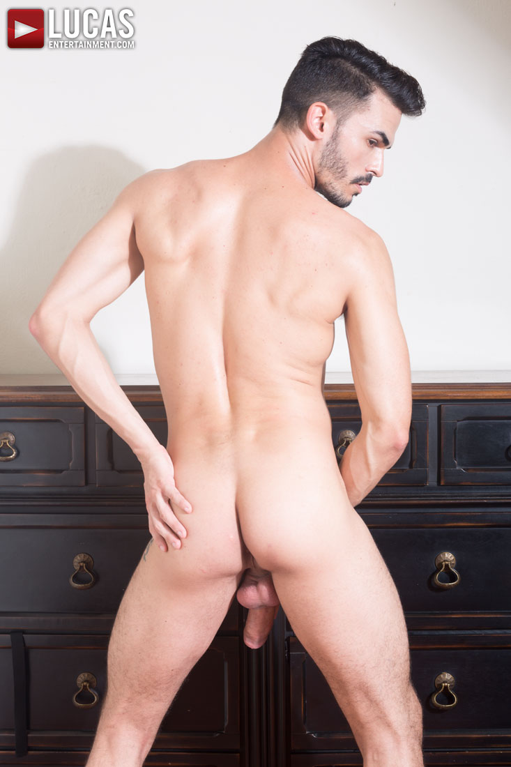 Aaden Stark - Gay Model - Lucas Entertainment
