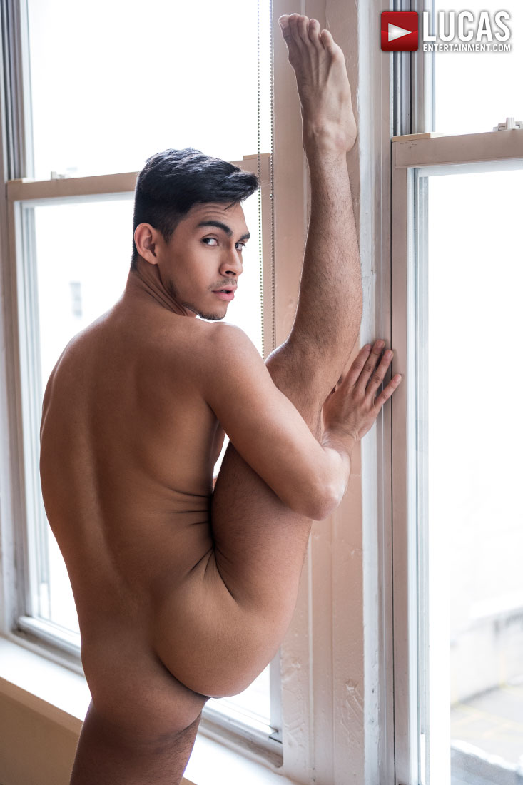Aaron Perez - Gay Model - Lucas Entertainment