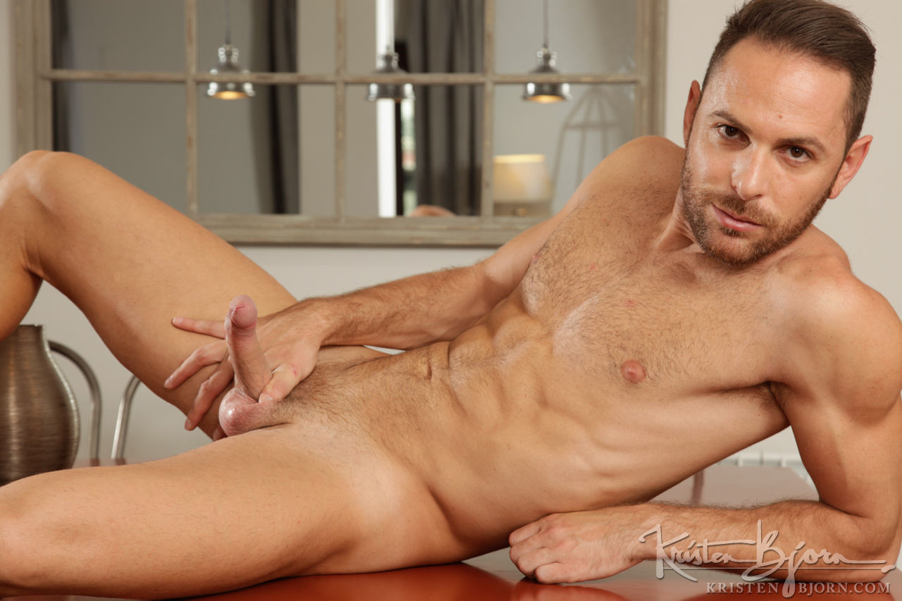 Aitor Bravo - Gay Model - Lucas Entertainment