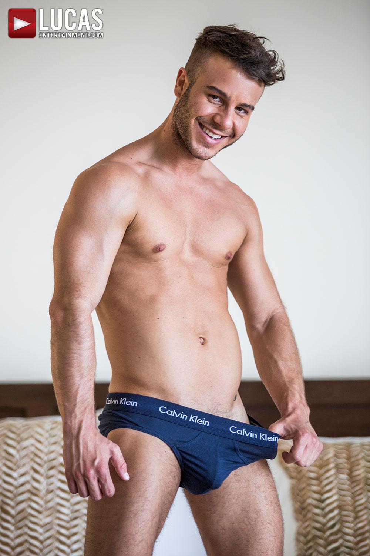 Mejores videos porno gay allen king Allen King Gay Model Lucas Entertainment