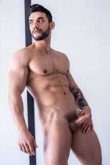 Antonio Biaggi stor kuk Olivia olovely porno