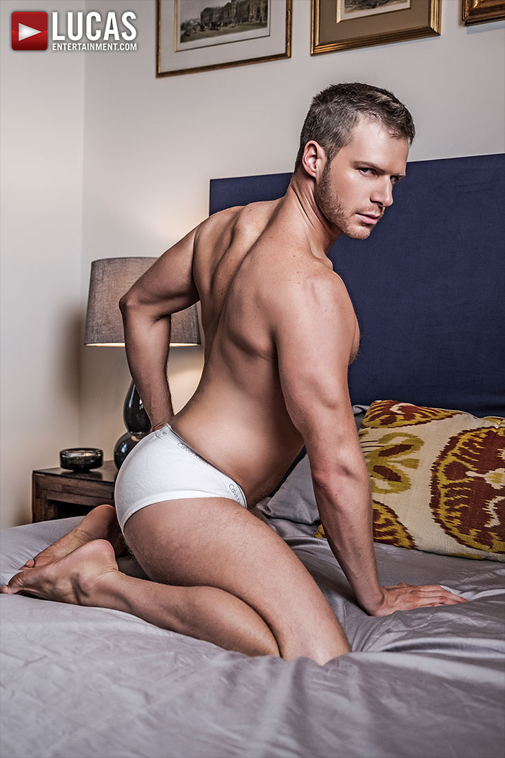 Brian Bonds - Gay Model - Lucas Entertainment
