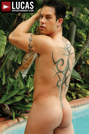 Amazing twinks devin loves to get wet 7