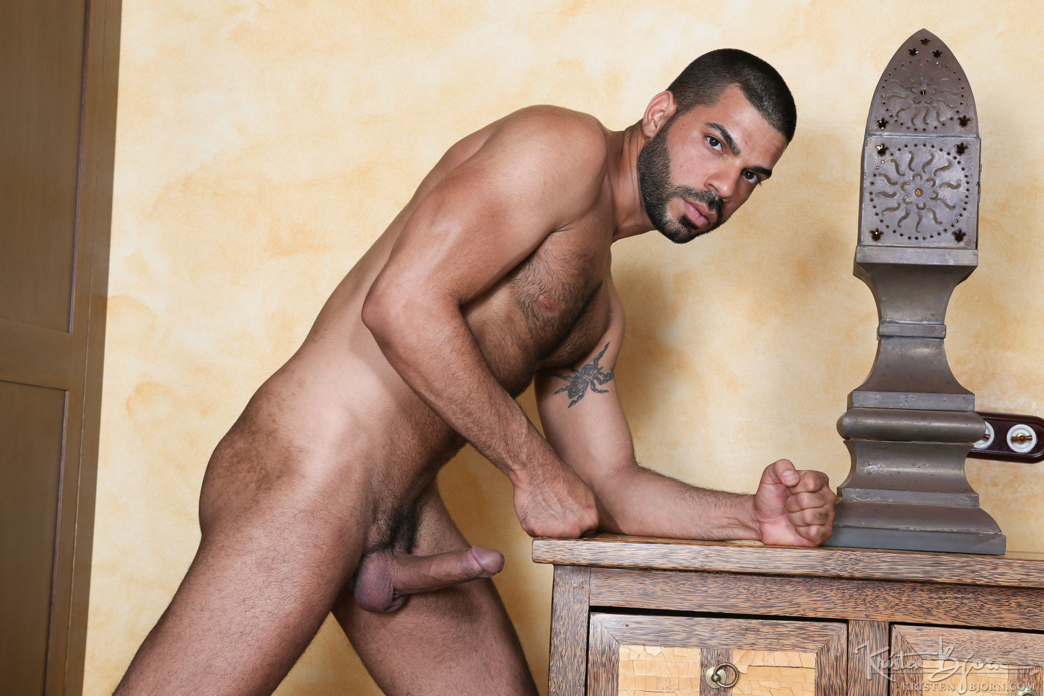 Hugo Arenas - Gay Model - Lucas Entertainment