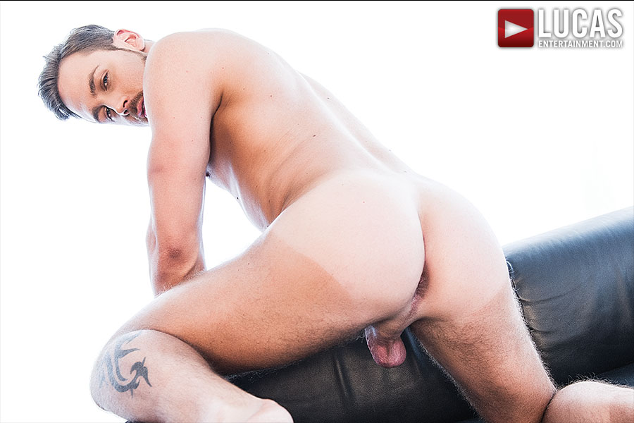 Logan Moore - Gay Model - Lucas Entertainment