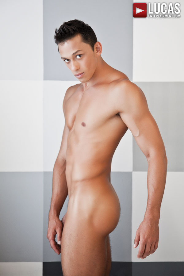 Logan Novak - Gay Model - Lucas Entertainment