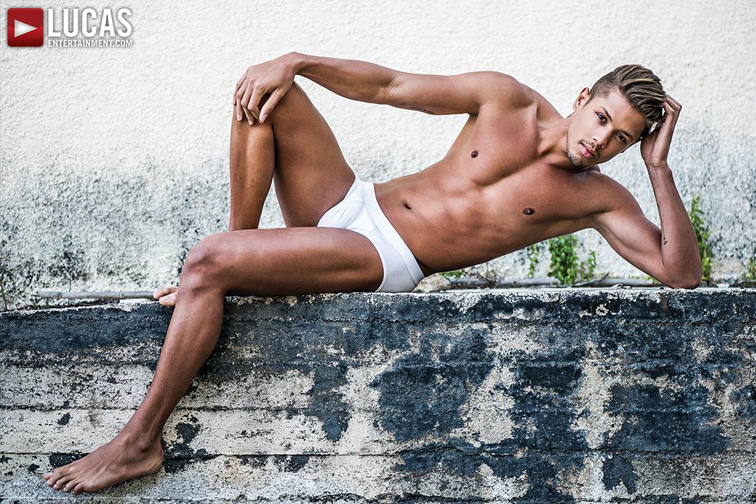 Lorenzo Ciao - Gay Model - Lucas Entertainment