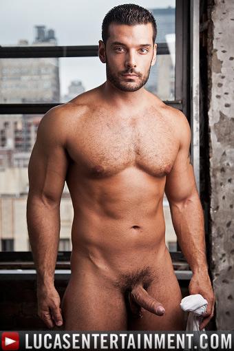 γυμνό τριχωτό έφηβος