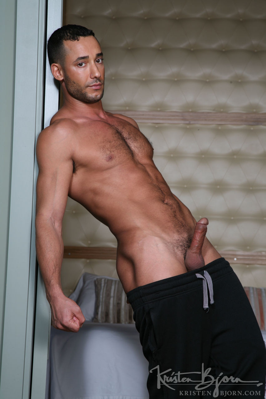 Toffic - Gay Model - Lucas Entertainment