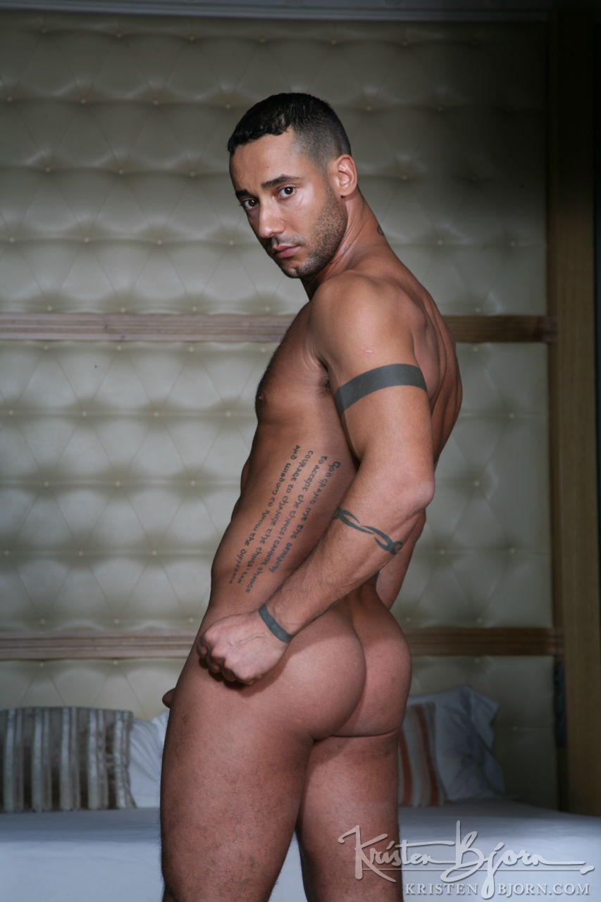 Toffic - Gay Model - Lucas Entertainment