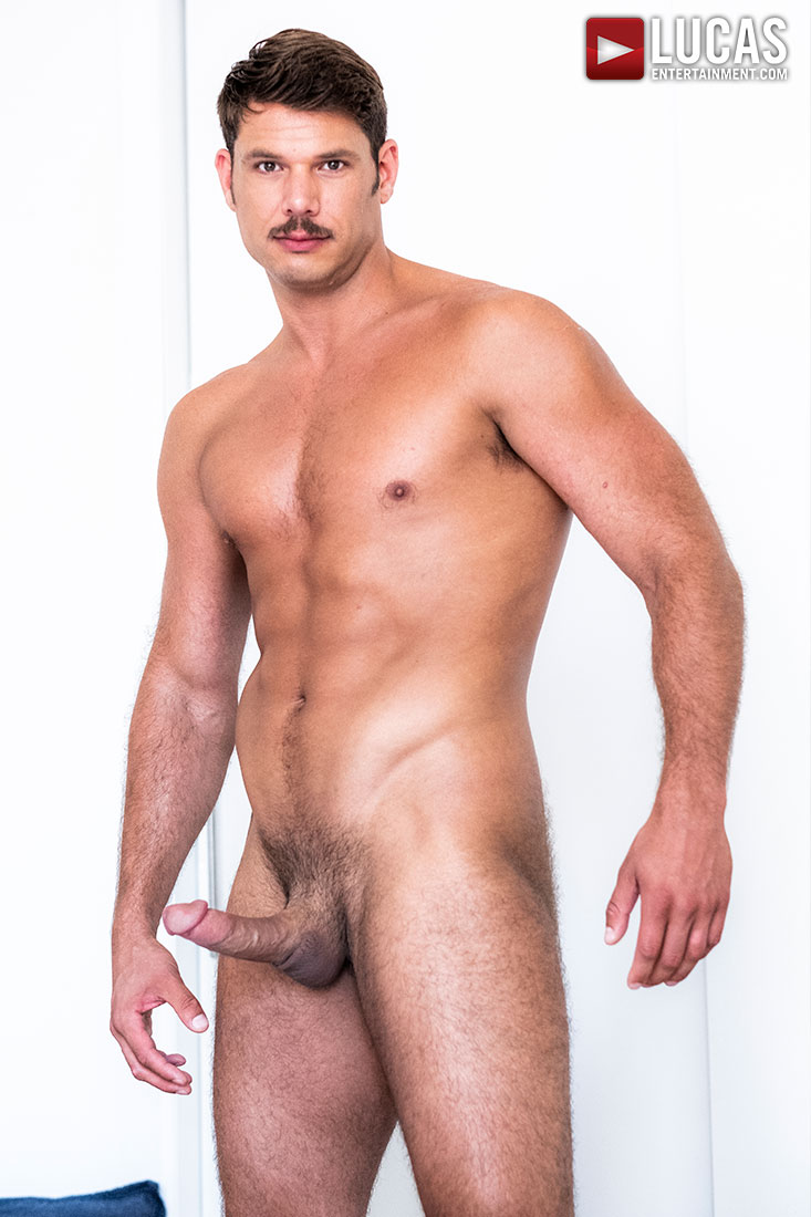 Tyler Roberts - Gay Model - Lucas Entertainment