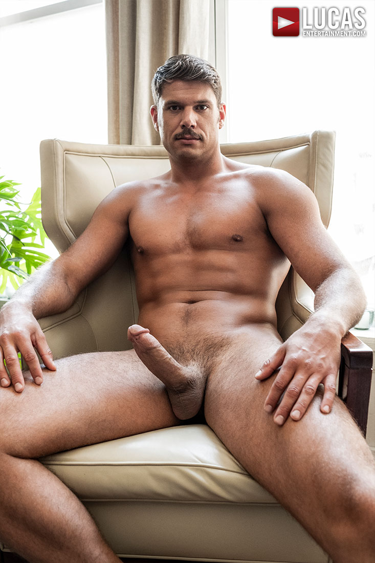 Tyler Roberts - Gay Model - Lucas Entertainment