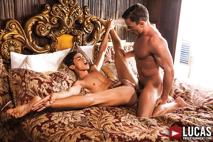 Ashton Summers Goes Full Spread Eagle For Alexander Volkov - Gay Movies - Lucas Entertainment