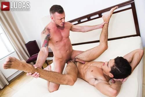 Logan Rogue Services Ashton Summers - Gay Movies - Lucas Entertainment
