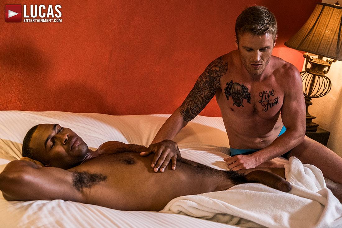 Shawn Reeve Takes Sean Xavier's BBC Up His Ass - Gay Movies - Lucas Entertainment