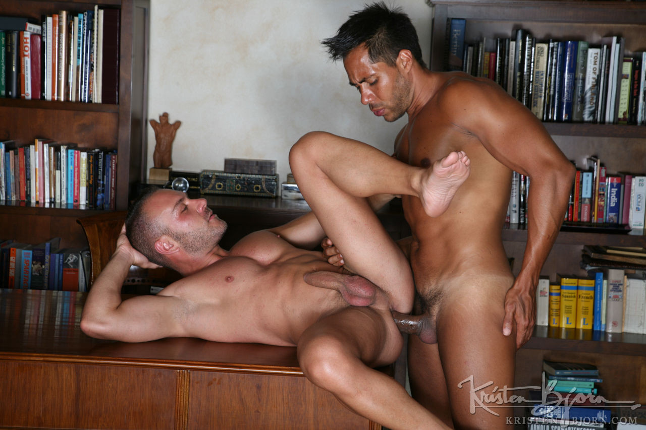 Doriano Takes 9.5 Raw Inches From Ansony - Gay Movies - Lucas Entertainment
