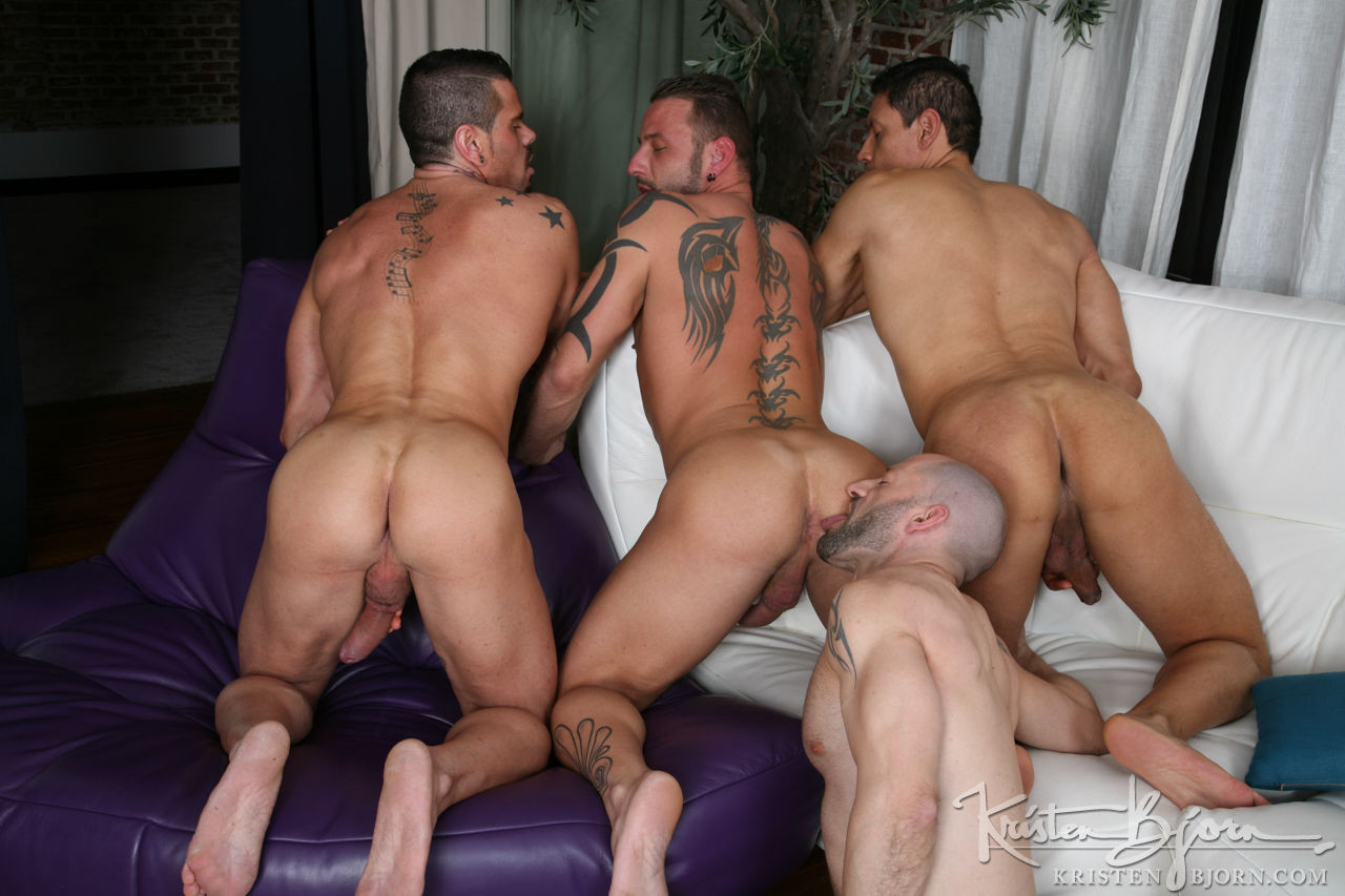 Antonio Miracle, Mario Domenech, John Rodriguez, Rainer | Bareback Four-Way - Gay Movies - Lucas Entertainment