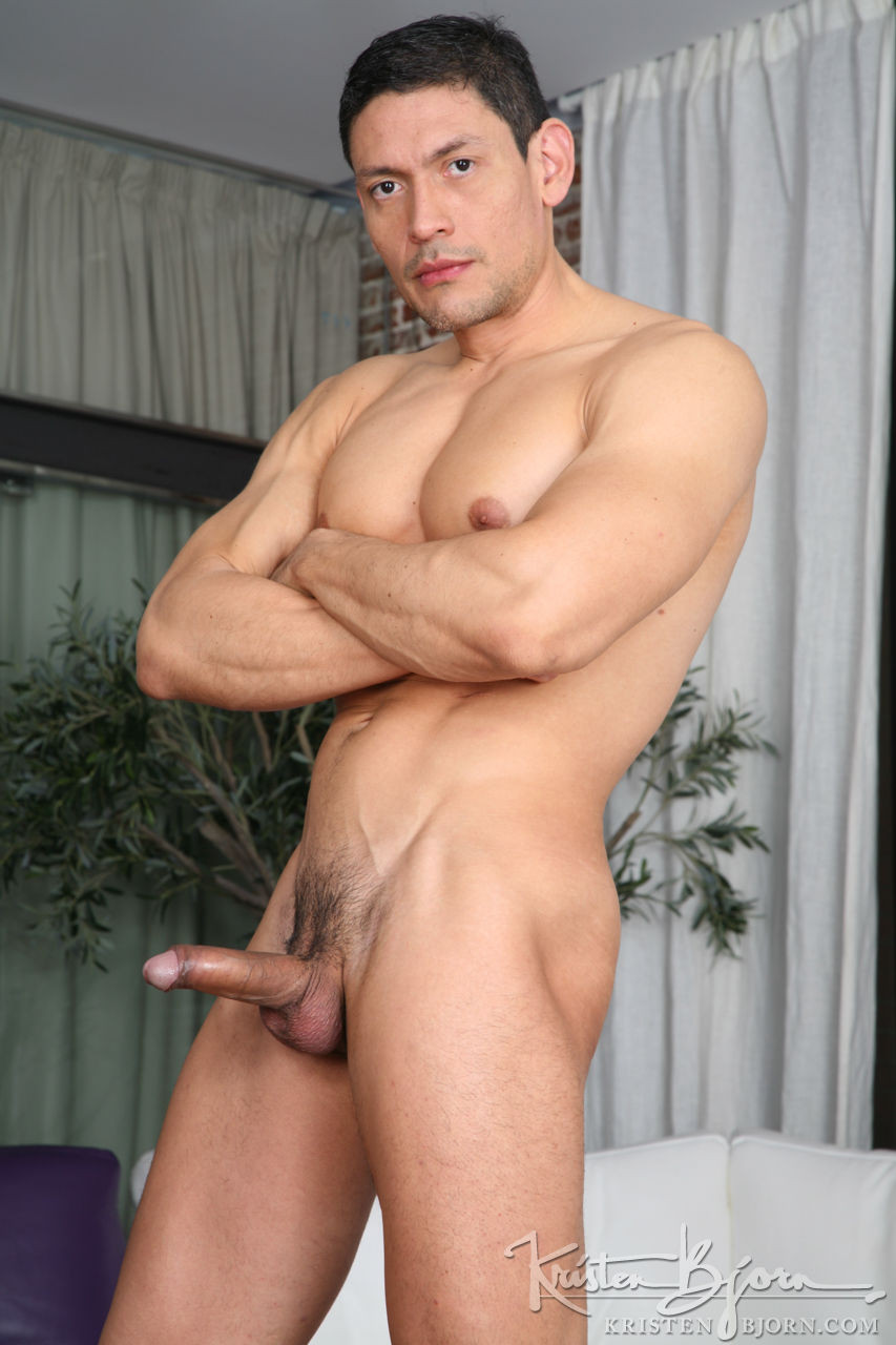 Antonio Miracle, Mario Domenech, John Rodriguez, Rainer   Bareback Four-Way - Gay Movies - Lucas Entertainment