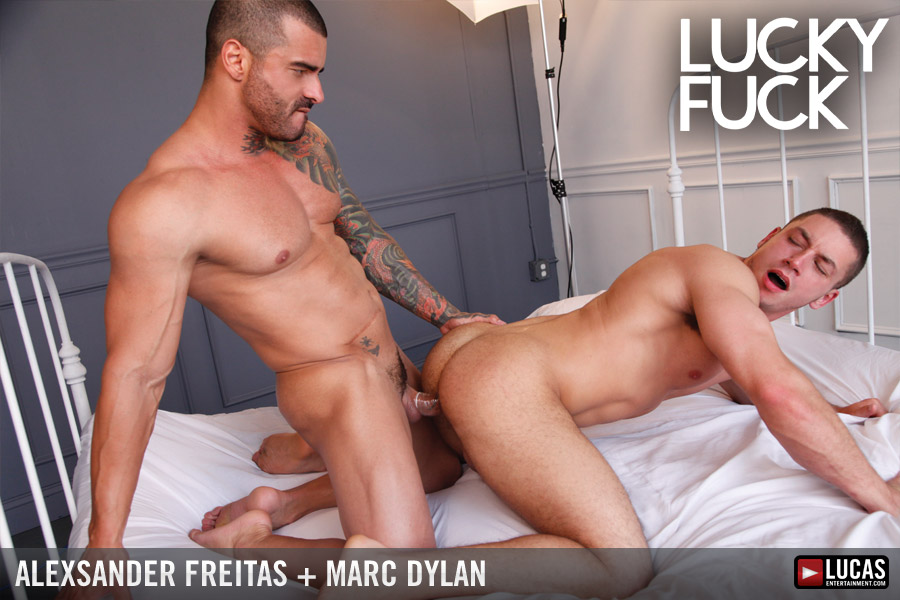 Muscle-Bottom Marc Dylan Worships Alexsander Freitas