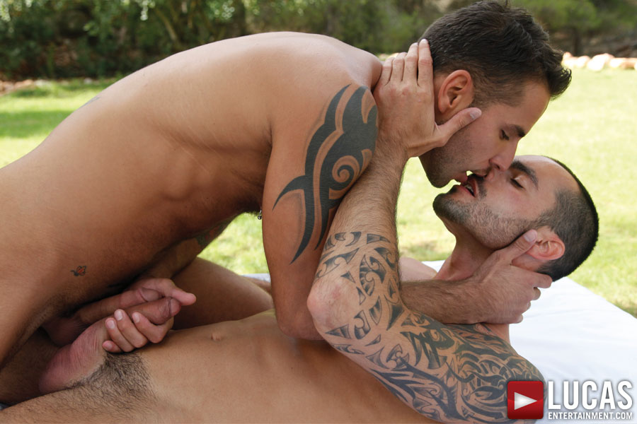 Jean Franko Tenderly Kisses Jessie Colter - Gay Movies - Lucas Entertainment