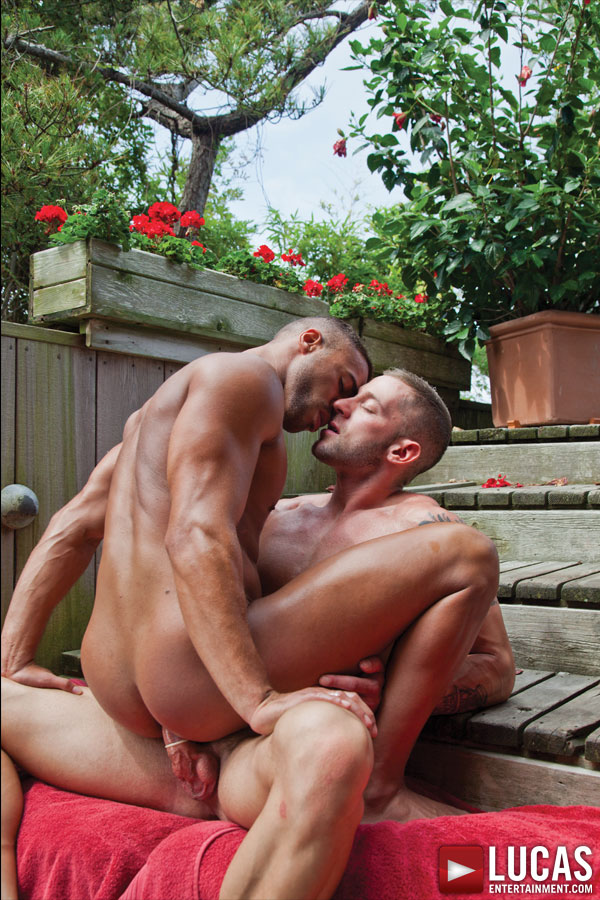 Will Helm and Damien Crosse Embrace on the Beach - Gay Movies - Lucas Entertainment