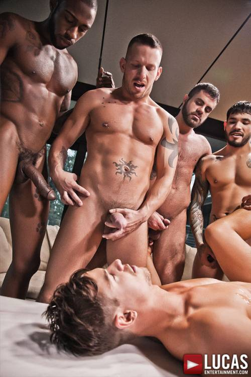Jed Athens Takes Bareback Double Penetration for His Birthday Gift - Gay Movies - Lucas Entertainment