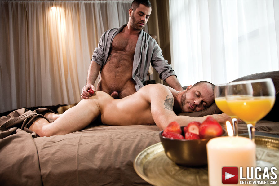 New York Hunks Marcus Isaacs and Drew Sumrok Flip-Fuck Raw - Gay Movies - Lucas Entertainment