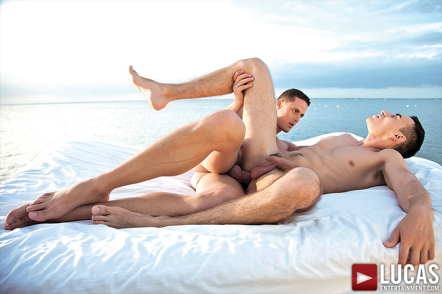 Nigel Banks And Ivan Gregory Have Waterfront Bareback Sex - Gay Movies - Lucas Entertainment