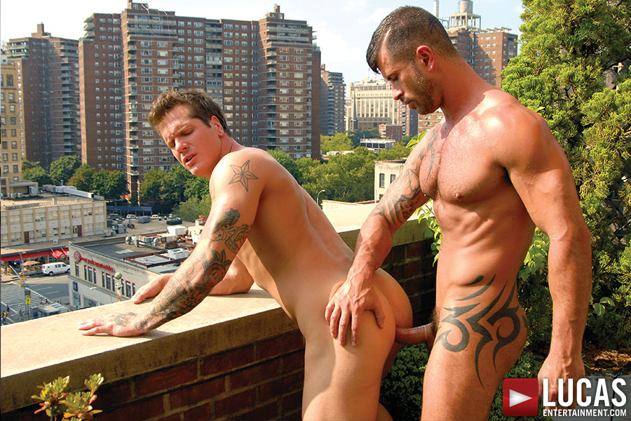 Adam Killian Services Parker London's Cock - Gay Movies - Lucas Entertainment
