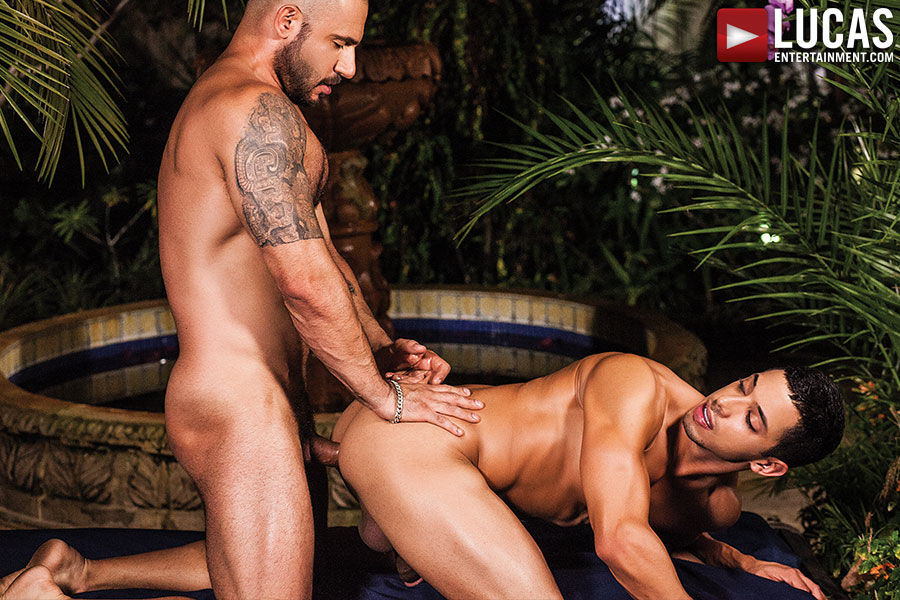 Drae Axtell Takes A Raw Fucking From Pedro Andreas - Gay Movies - Lucas Entertainment