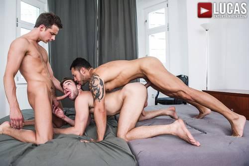 Letterio Amadeo And James Castle Double-Team Ashton Summers - Gay Movies - Lucas Entertainment