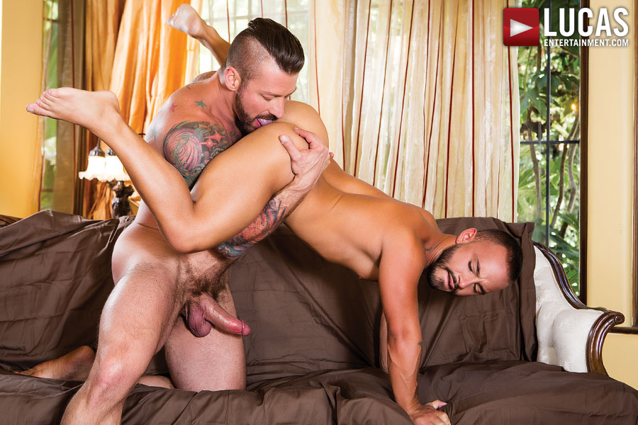 Rafael Lords Services Hugh Hunter's Daddy Dick    - Gay Movies - Lucas Entertainment
