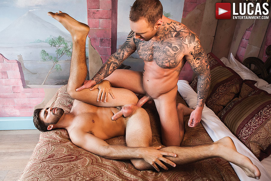 Jonah Fontana Gives His Latin Ass Up To Dylan James - Gay Movies - Lucas Entertainment