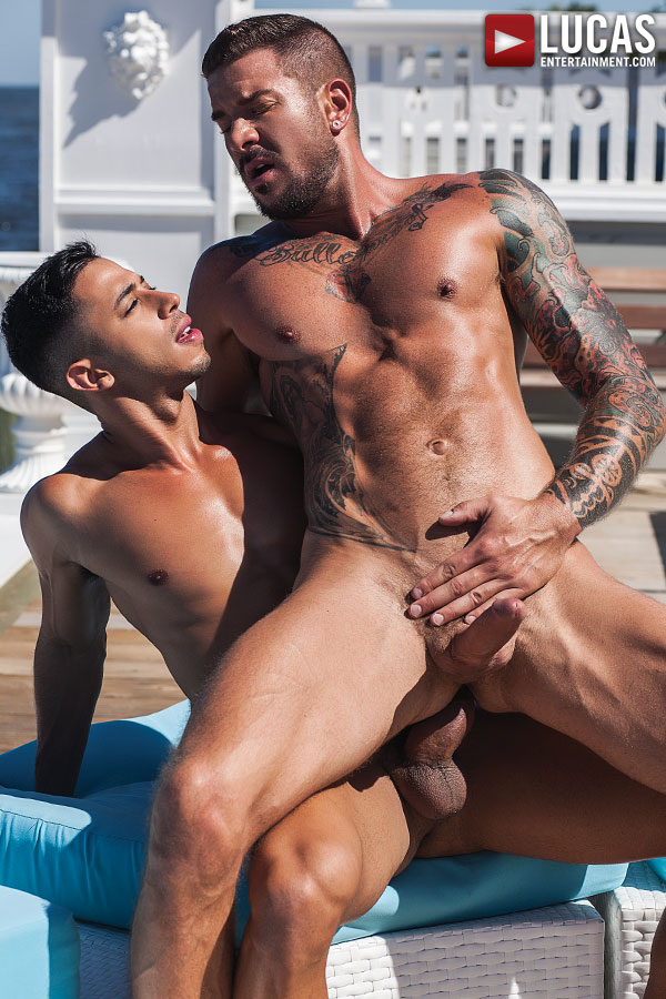 Drae Axtell Tops Dolf Dietrich Dockside - Gay Movies - Lucas Entertainment