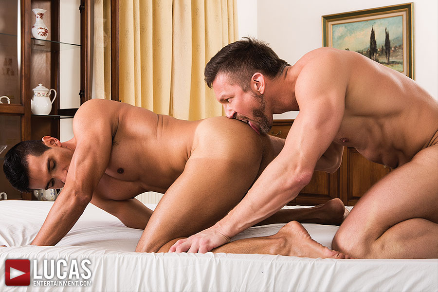 Vlad Larin Takes Tomas Brand And Dario Leon At Both Ends    - Gay Movies - Lucas Entertainment