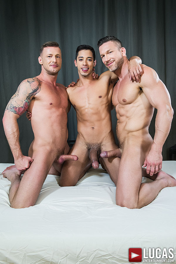 Threesome gay cocks porn