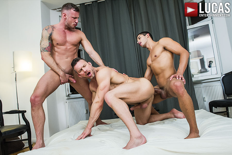 macho muscle men in hot gay threesome