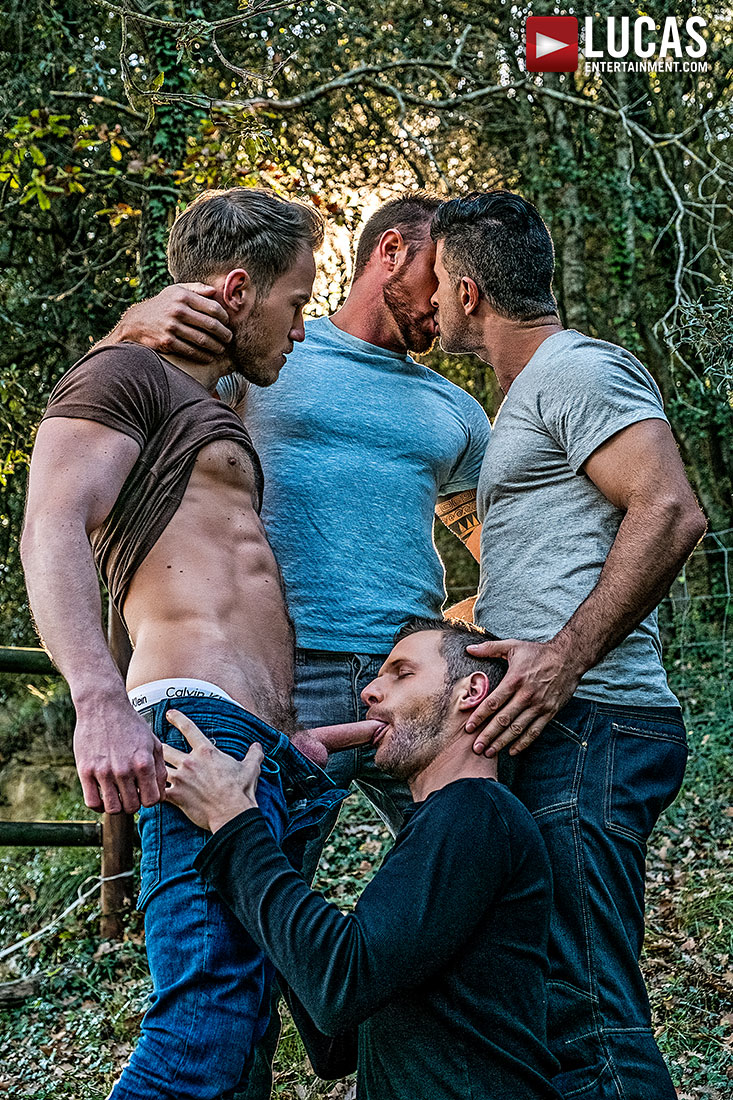 Adam Killian, Marq Daniels, Brian Bonds, Michael Roman | Raw Double-Penetration - Gay Movies - Lucas Entertainment