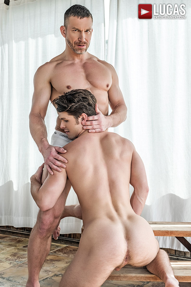 Devin Franco Bottoms For Muscle-Daddy Tomas Brand - Gay Movies - Lucas Entertainment