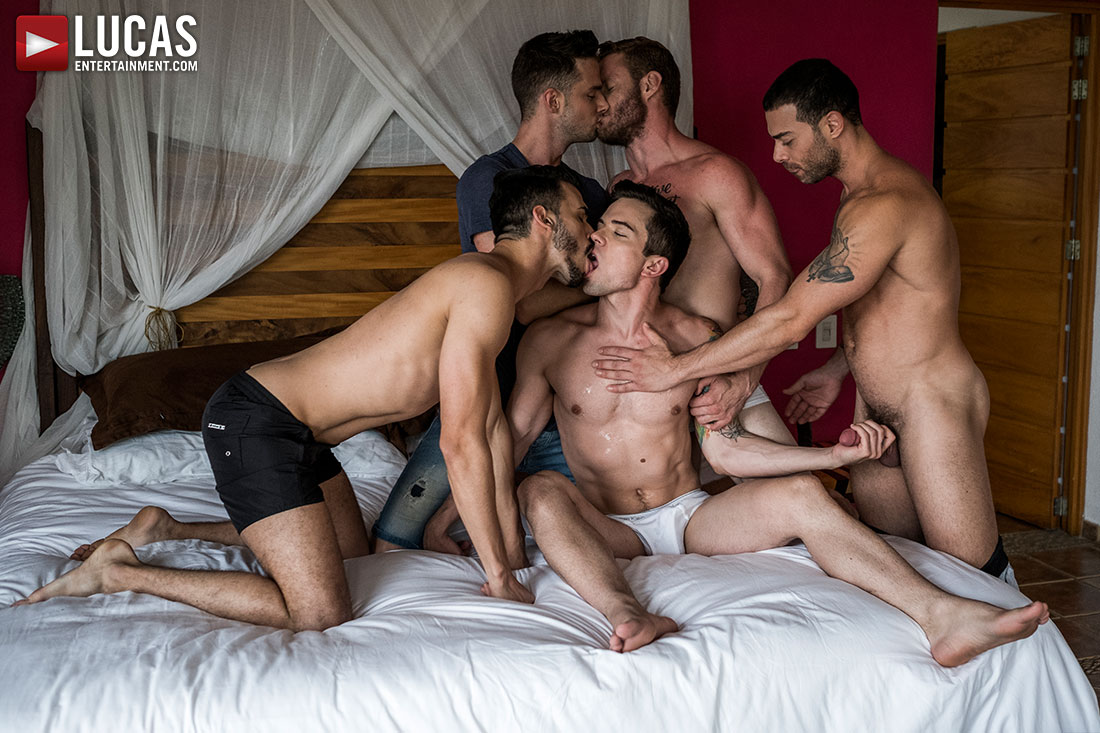 Shawn, Carlos, Aaden, Damon, Dakota | Bareback Five-Way - Gay